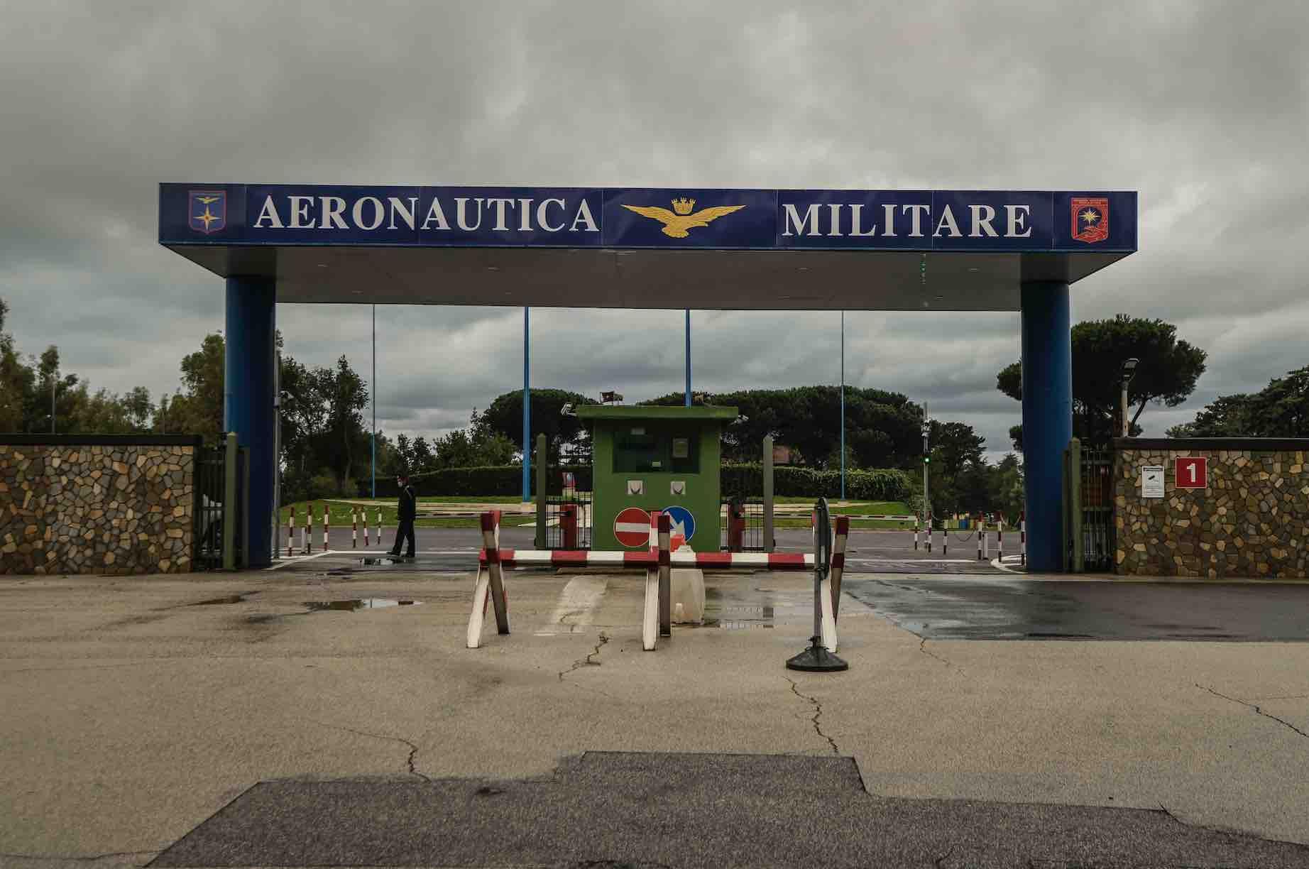 Oltre 1 milione di dosi Astrazeneca all'hub di Pratica di Mare